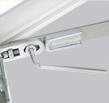 Універсальна ножнична петля для лівого і правого відкривання. Регулювання в ножицях на притиск +/- 1 мм.
